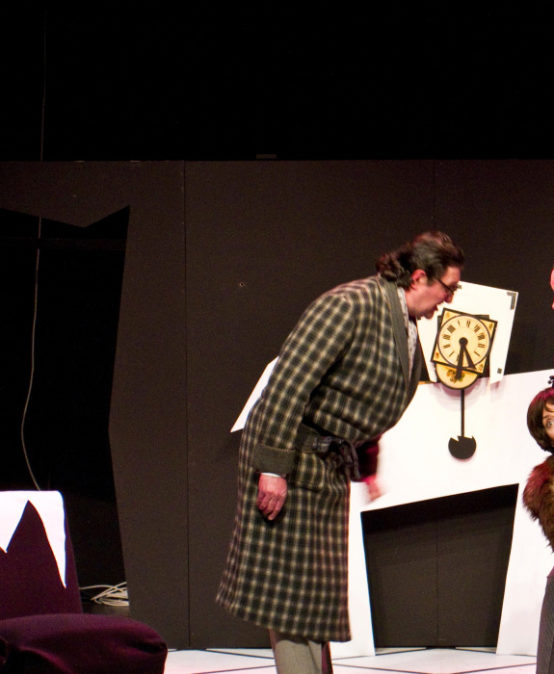 BATXILLERAT: La cantant calba, d'Eugène Ionesco. Cia. Estudi Zero Teatre