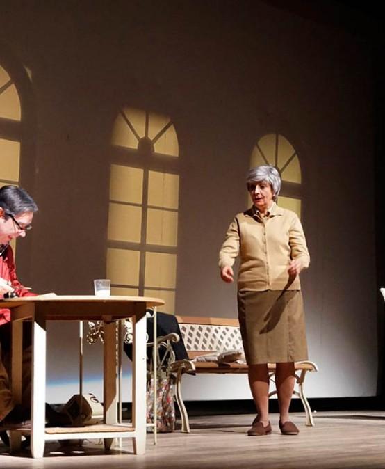 TEATRE ESCENA LOCAL: El Blau, la Roja i el Verd de Marabú Teatre