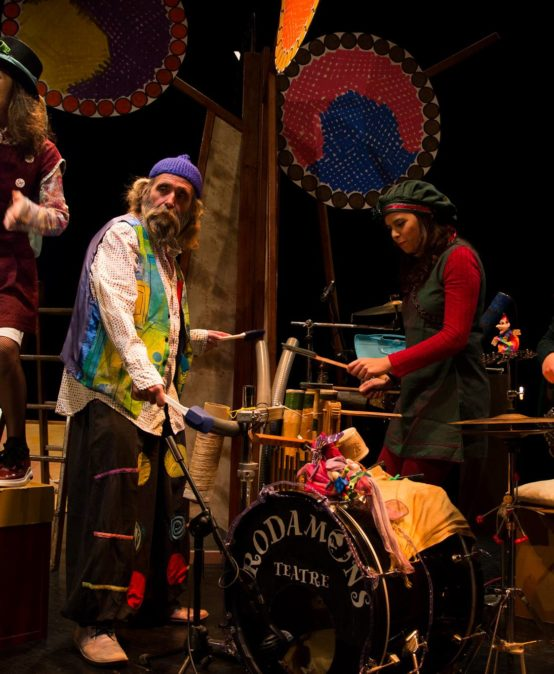 FESTIVAL HOSTES (FAMILIAR): EmocioAnant de Rodamons Teatre (País Valencià)