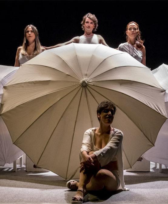 TEATRE. DIA MUNDIAL CONTRA LA VIOLÈNCIA DE GÈNERE: Segarem ortigues amb els tacons,  de Teatro del Contrahecho (País Valencià)