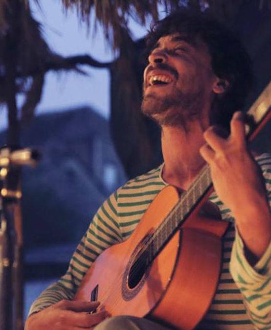 Cloenda temporada: festa d'estiu a la fresca i música en directe + presentació Desllunat 2019