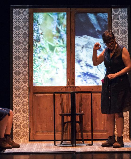 THEATER |  REPUBLICAN WEEK: Instruccions per a no tenir por si ve la pastora, de La Ravalera Teatre