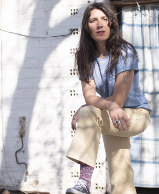 MÚSICA | FESTIVAL DESLLUNAT: Lorena Álvarez amb Colección de canciones sencillas