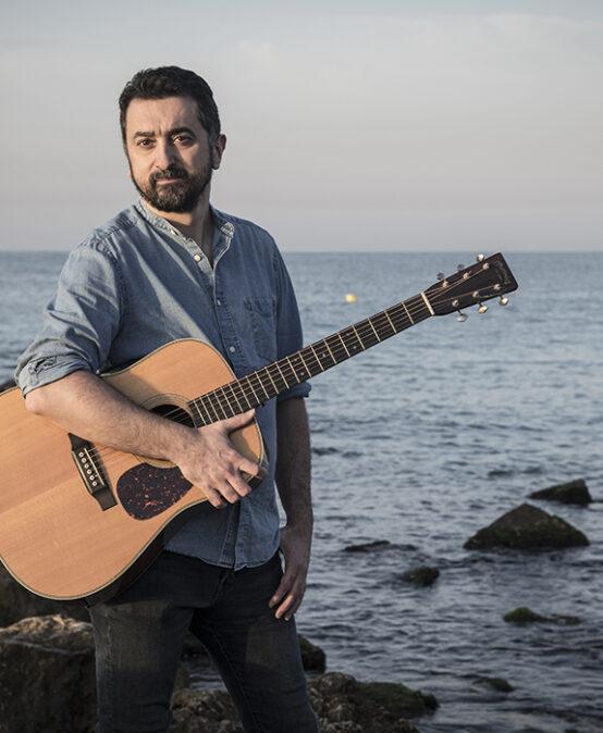 MUSIC: Feliu Ventura (Xàtiva) presents the book-disc 'Convocatòria'